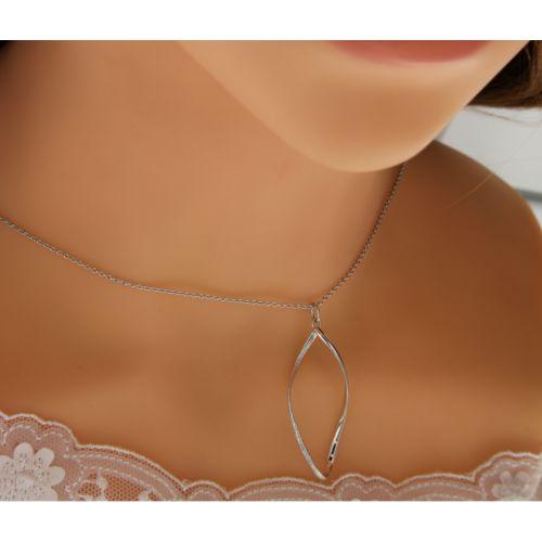 Stříbrný dámský náhrdelník elipsa